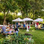 Die von wohnpartner betreute Gartengruppe rund um den Gemeinschaftsgarten Kaderkapark im 17. Bezirk veranstaltet 2x jährlich ein gut besuchtes Gartenfest. © Wohnservice Wien